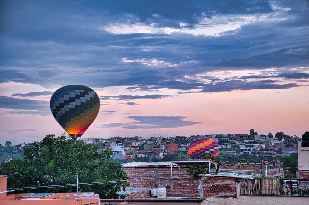 san miguel de allende bright balloons in early morning